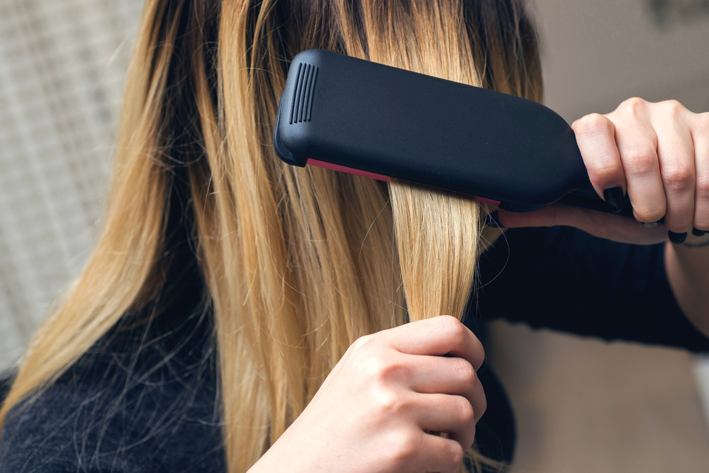朝の時間を短縮!前髪のくせ毛簡単に直すヘアセットの方法