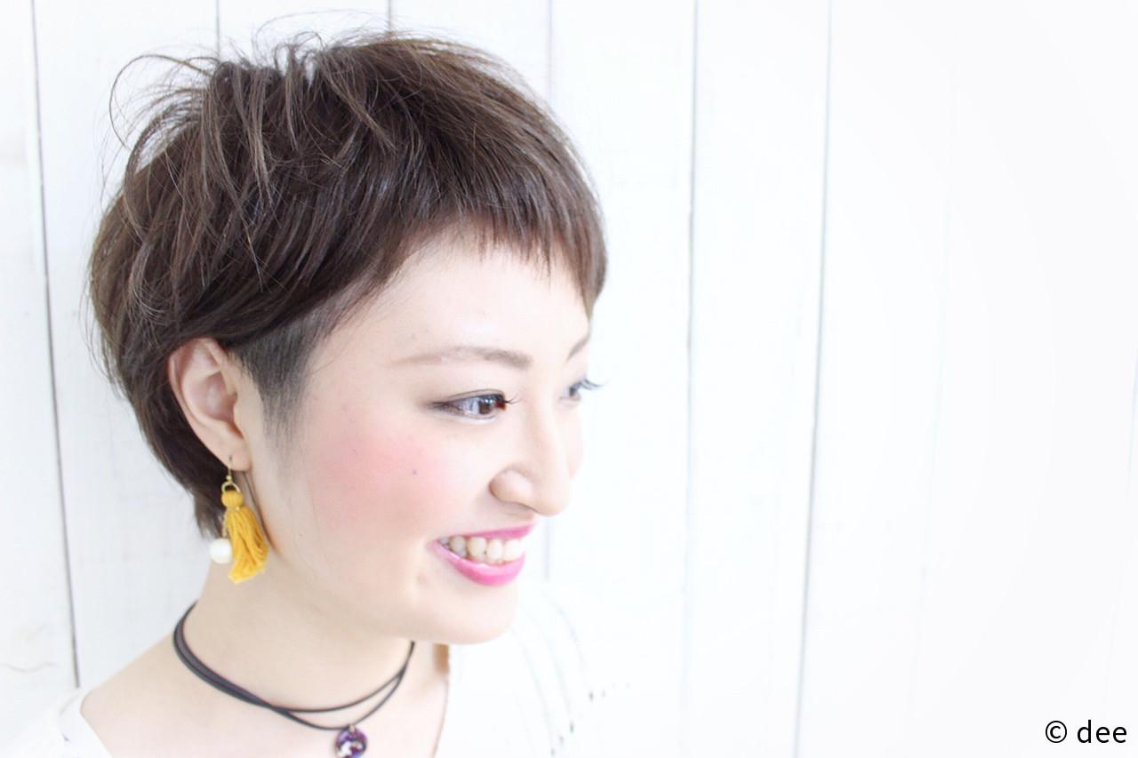 カーキアッシュ カーキ ベリーショート ベビーバング ヘアスタイルや髪型の写真・画像