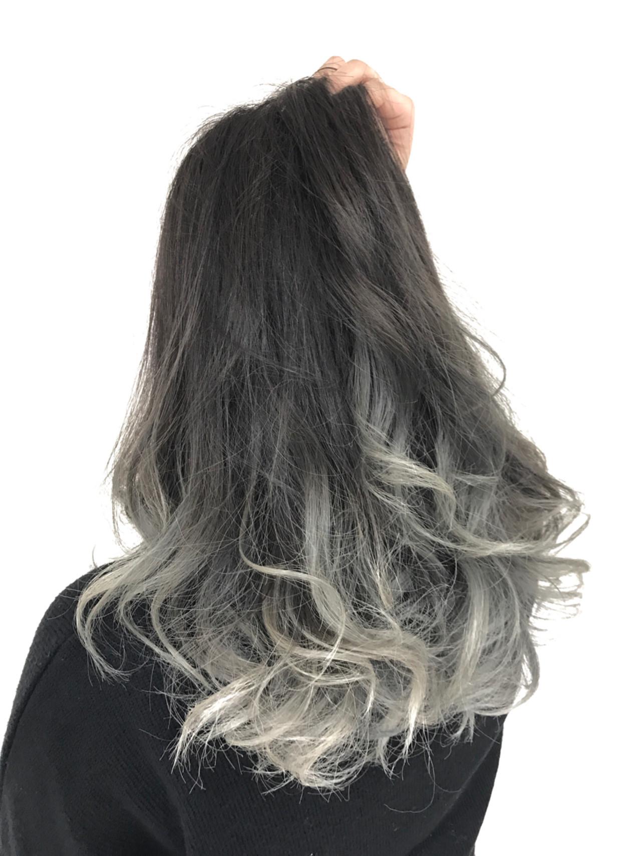 イルミナカラー グラデーションカラー グレージュ ロング ヘアスタイルや髪型の写真・画像