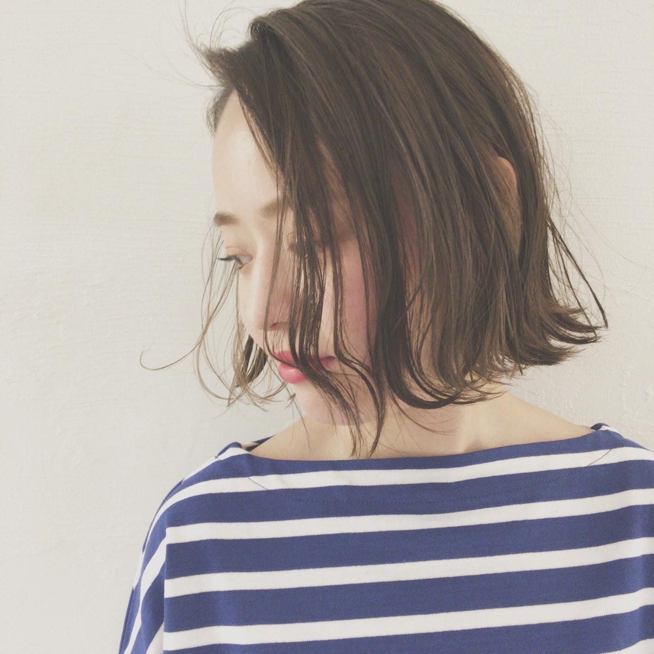 デート ハイライト ボブ 切りっぱなし ヘアスタイルや髪型の写真・画像