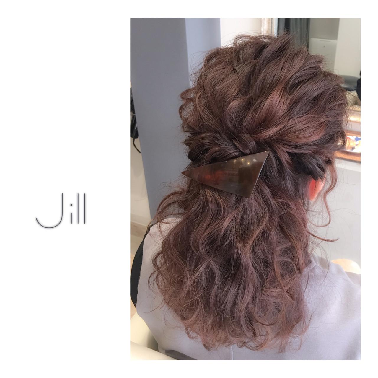 ショート ヘアアレンジ ハーフアップ 波ウェーブ ヘアスタイルや髪型の写真・画像