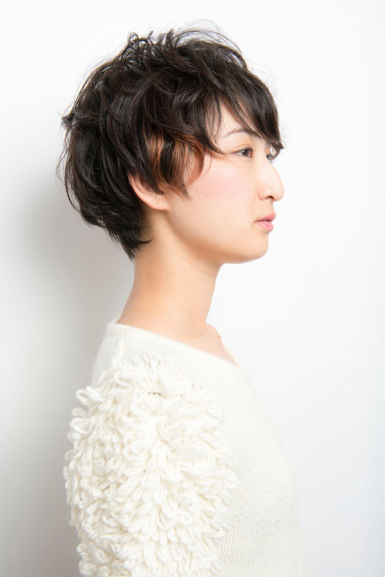 ベリーショート 黒髪 インナーカラー ショート ヘアスタイルや髪型の写真・画像