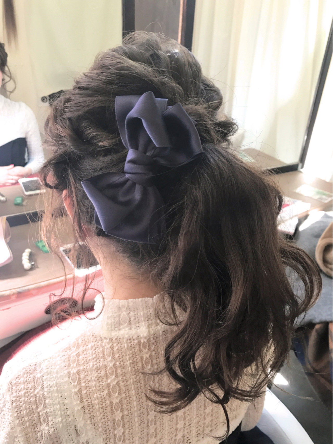 フェミニン ヘアアレンジ アップスタイル 波ウェーブ ヘアスタイルや髪型の写真・画像