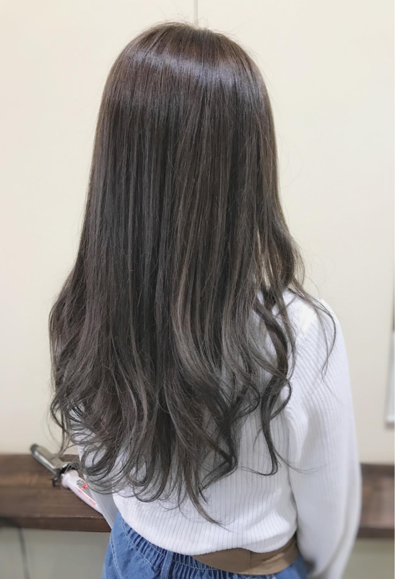 デート アッシュグレージュ ロング 外国人風カラー ヘアスタイルや髪型の写真・画像