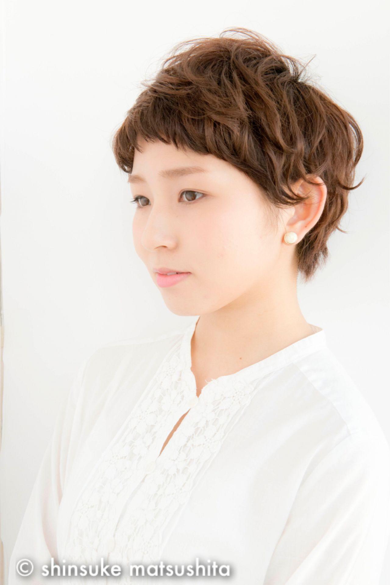 暗髪 ナチュラル ショート 丸顔 ヘアスタイルや髪型の写真・画像