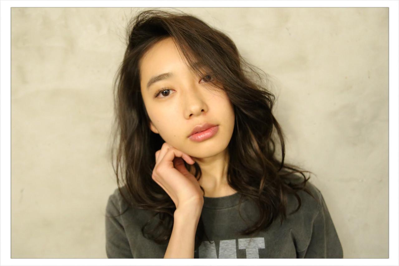 SEXY&CUTEな女子急増中!キーワードは「黒髪×パーマ」 小野 圭介