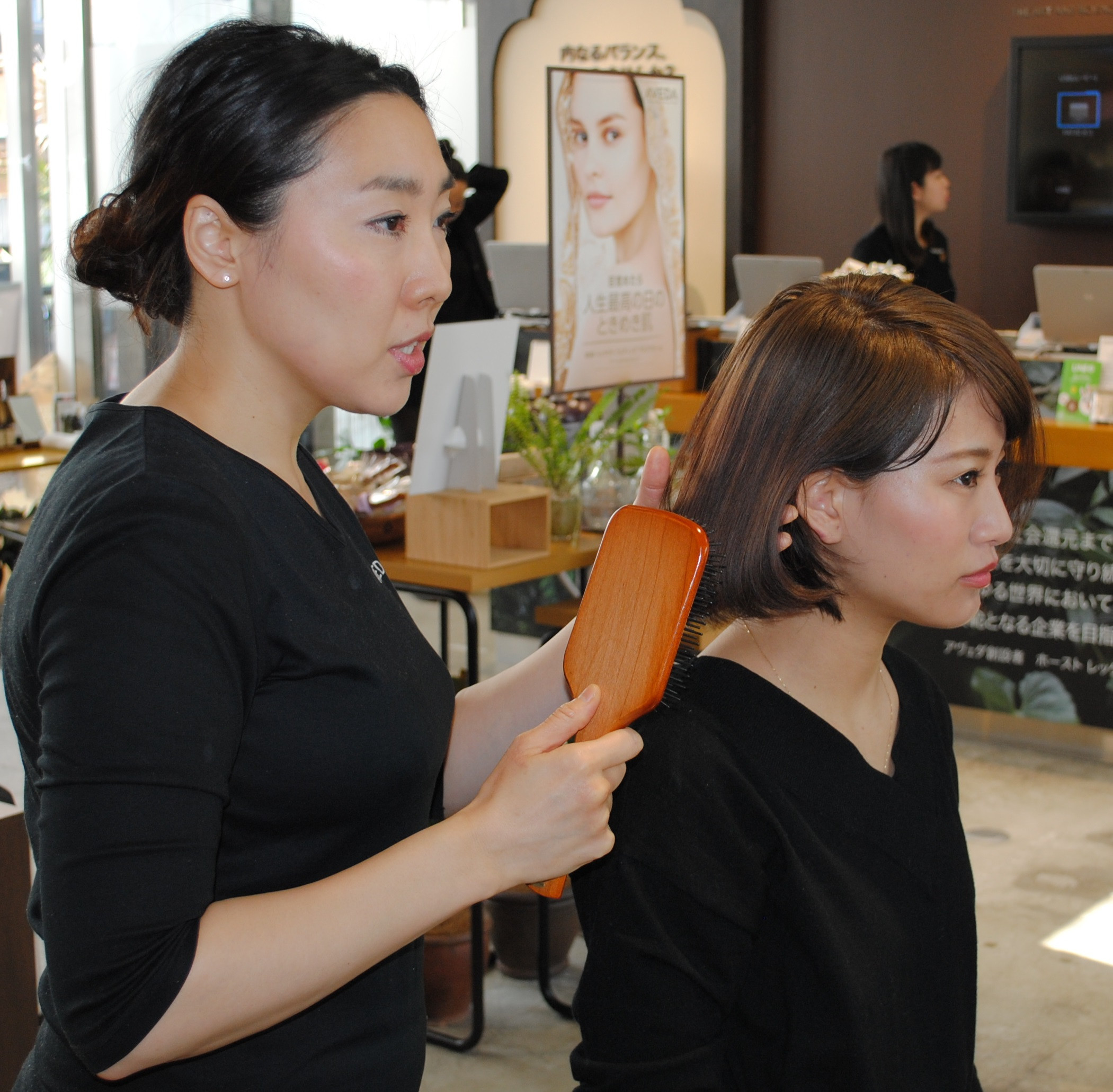 【AVEDAヘッドスパスペシャリスト佐藤麻子さん直伝】美髪へ導く正しい頭皮ケア方法とは。