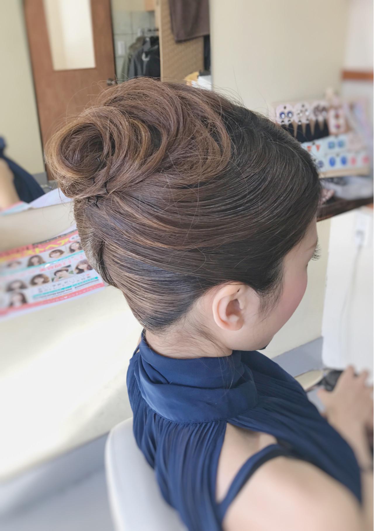 セミロング 大人女子 上品 夜会巻 ヘアスタイルや髪型の写真・画像