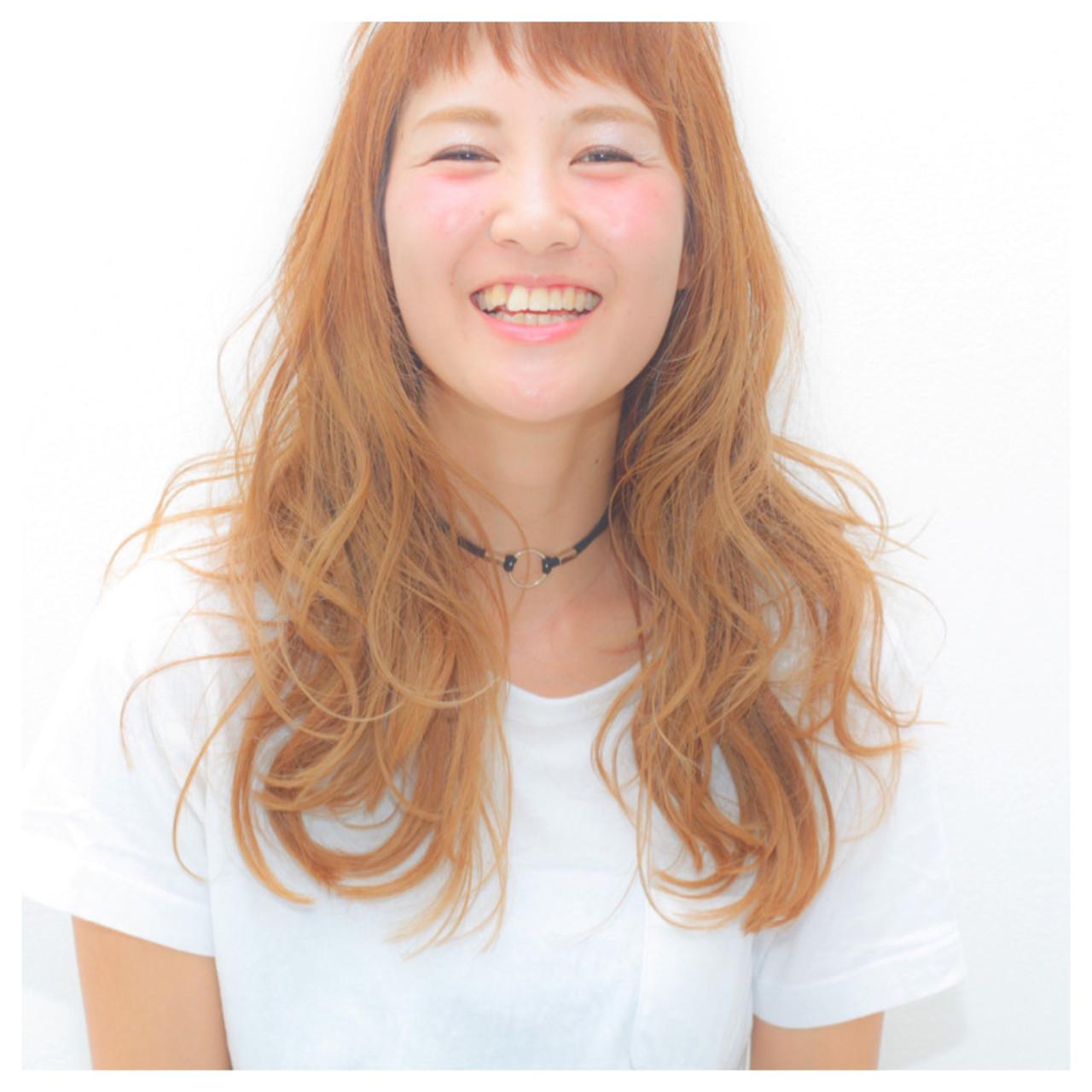 抜け感 ロング イエロー オレンジ ヘアスタイルや髪型の写真・画像