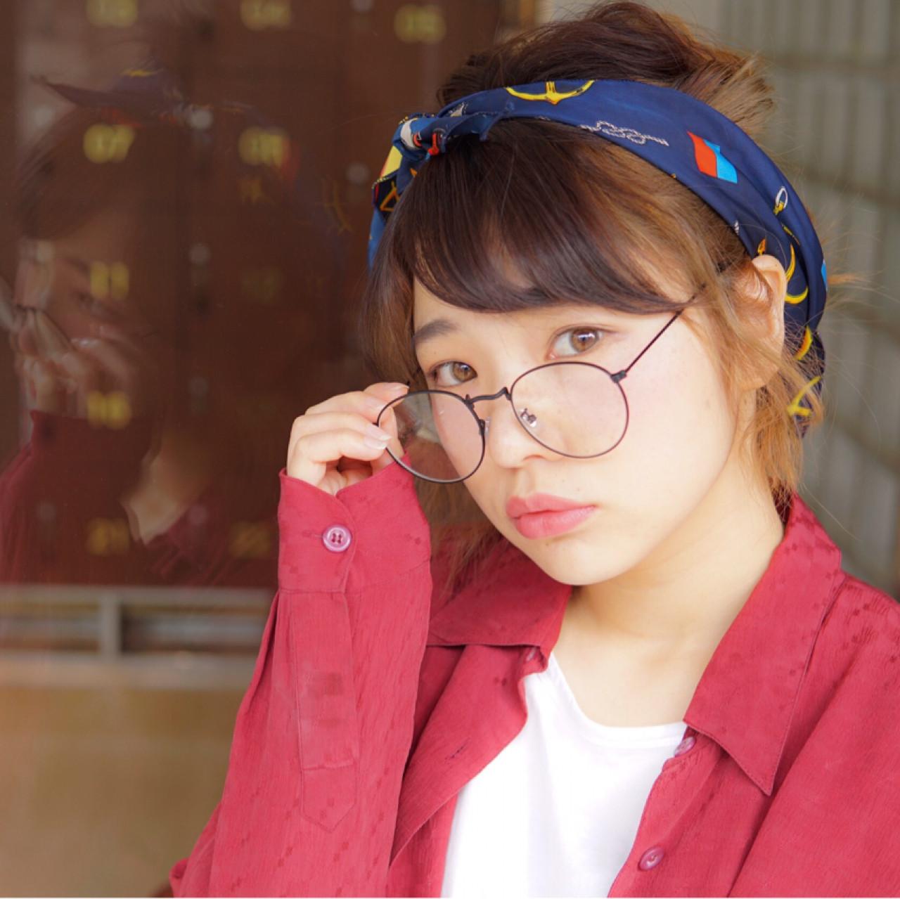 シンプルファッションにマッチ!バンダナを使ったおすすめヘアアレンジ 香西宏美(べいびい)