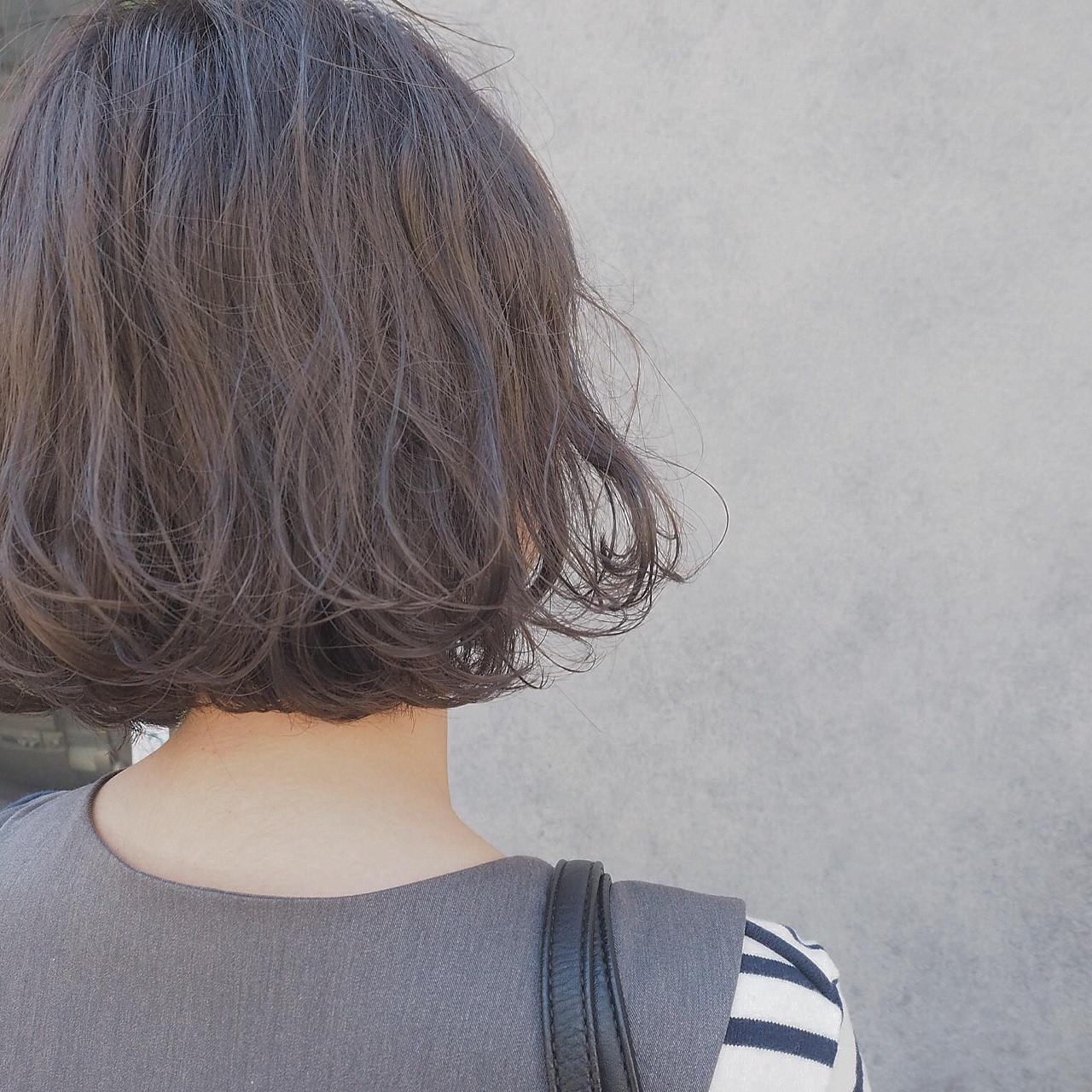 イルミナカラー ゆるふわ 波ウェーブ ボブ ヘアスタイルや髪型の写真・画像