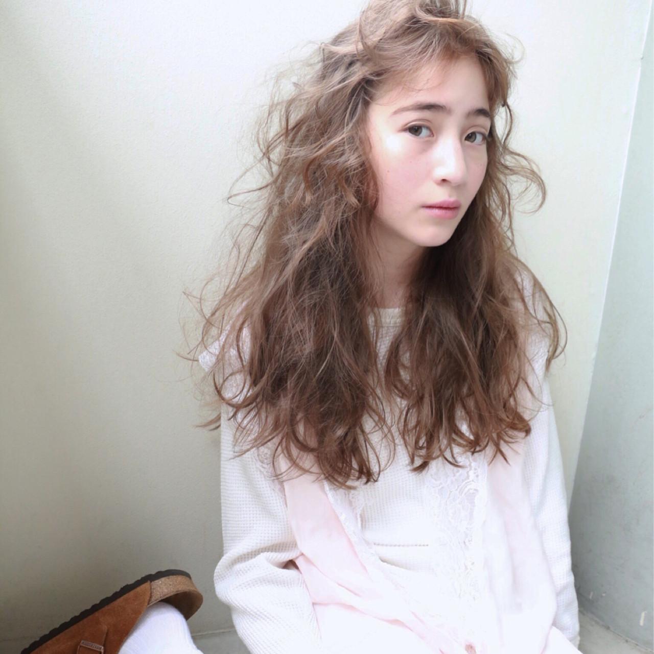 ベージュ ストリート 大人かわいい ロング ヘアスタイルや髪型の写真・画像