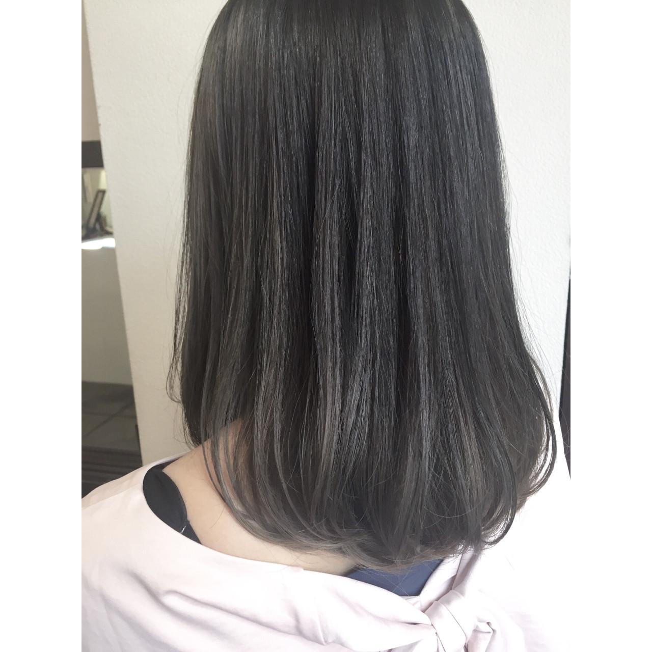 暗髪 ミディアム ブルーアッシュ ナチュラル ヘアスタイルや髪型の写真・画像