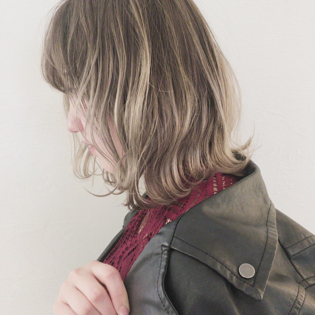 インナーカラー ナチュラル グレージュ ボブ ヘアスタイルや髪型の写真・画像