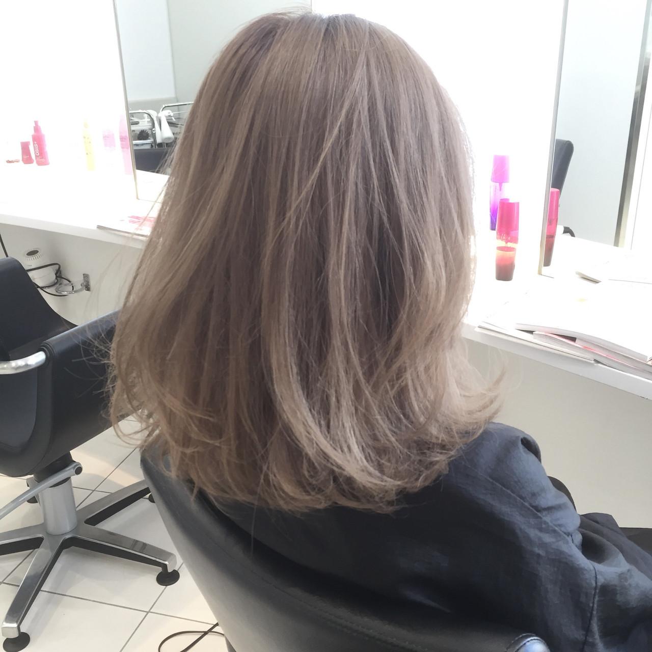 ハイトーン ミディアム ストリート ヘアスタイルや髪型の写真・画像