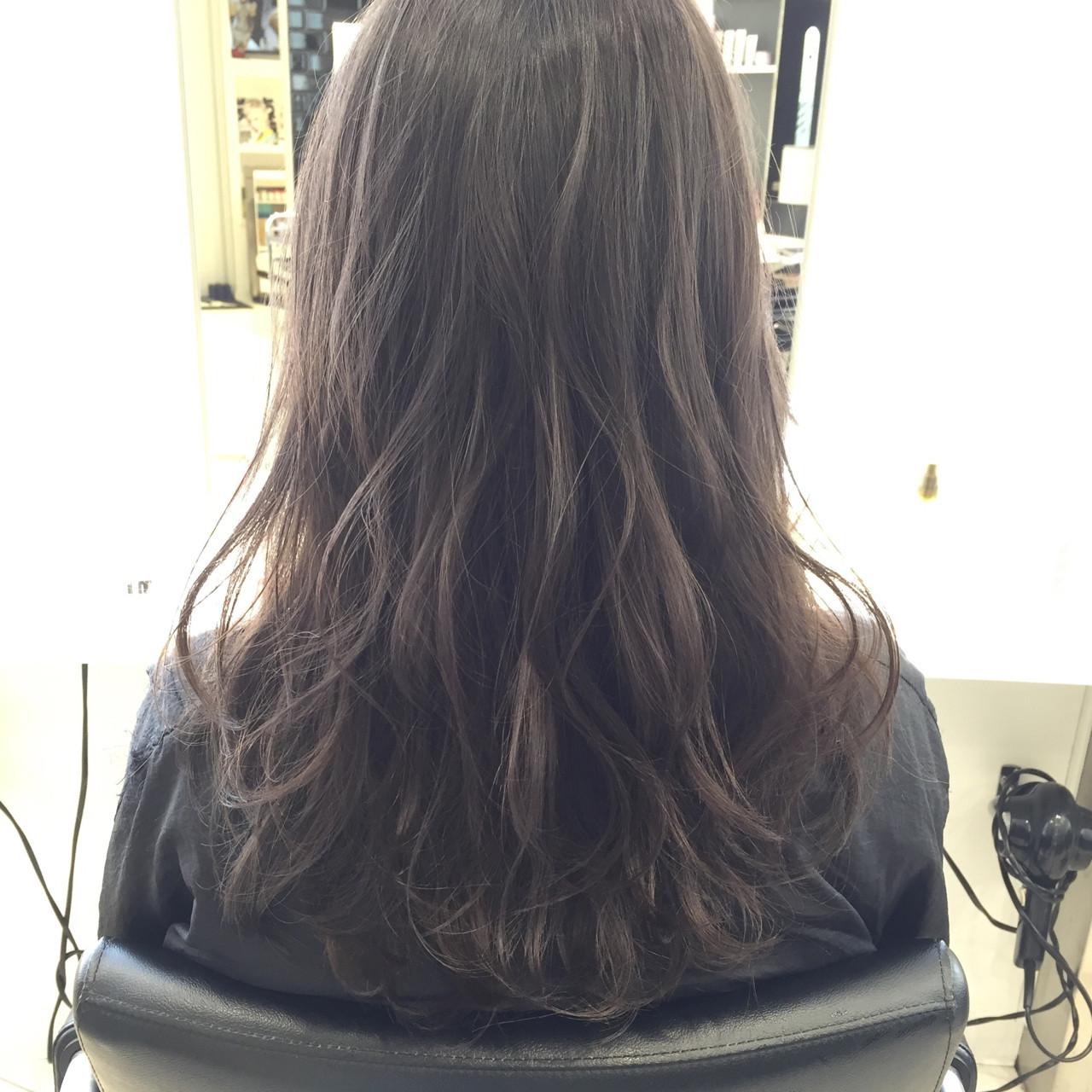 ハイトーン モード アッシュ セミロング ヘアスタイルや髪型の写真・画像