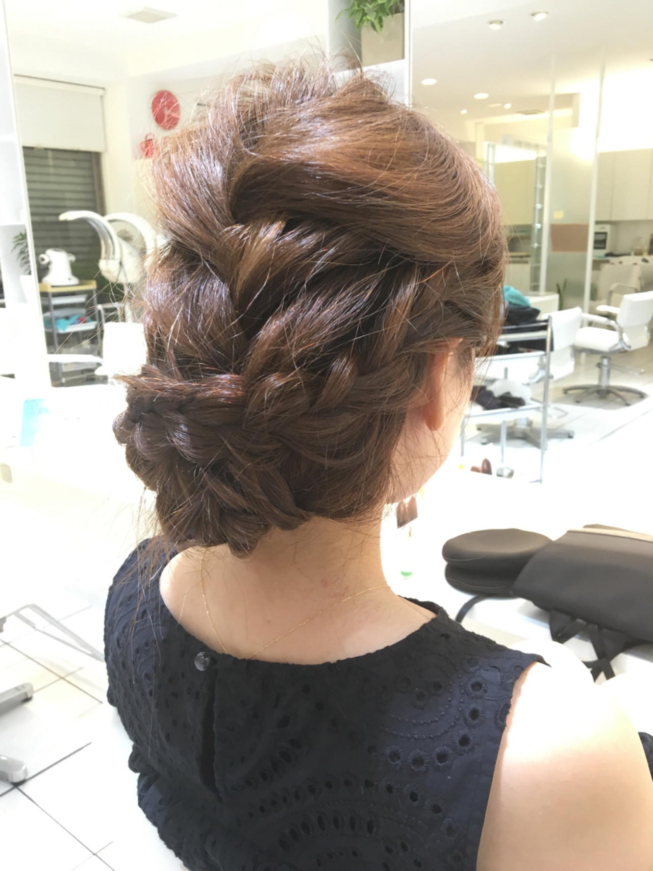結婚式髪型はこれ!モテアレンジ無限大のロングでつくる華やか雰囲気♡ 石田裕紀
