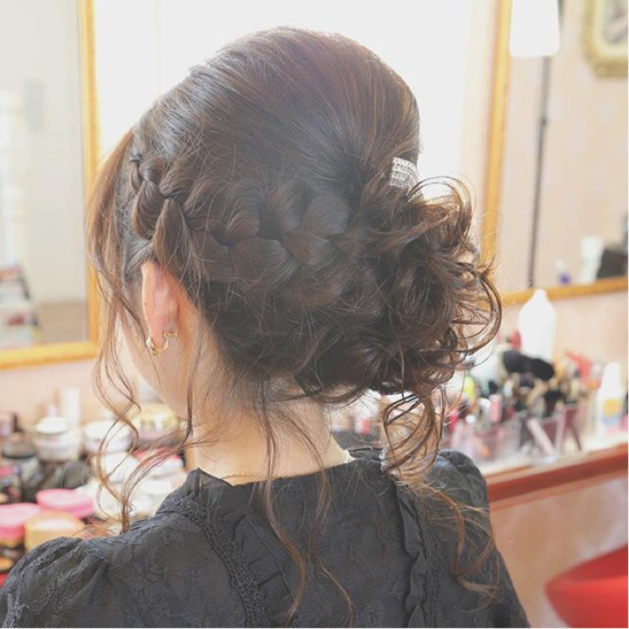 結婚式髪型はこれ!モテアレンジ無限大のロングでつくる華やか雰囲気♡ misato