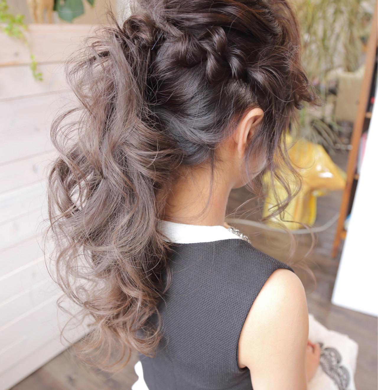 結婚式髪型はこれ!モテアレンジ無限大のロングでつくる華やか雰囲気♡ 小川淳之