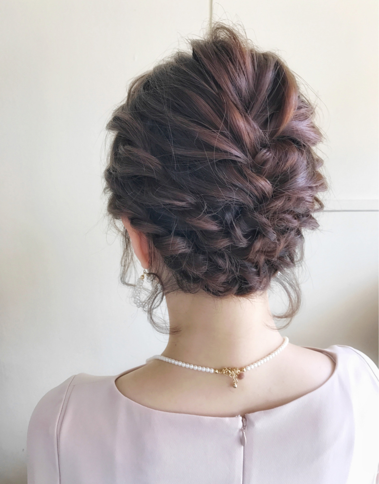 結婚式髪型はこれ!モテアレンジ無限大のロングでつくる華やか雰囲気♡ サワ