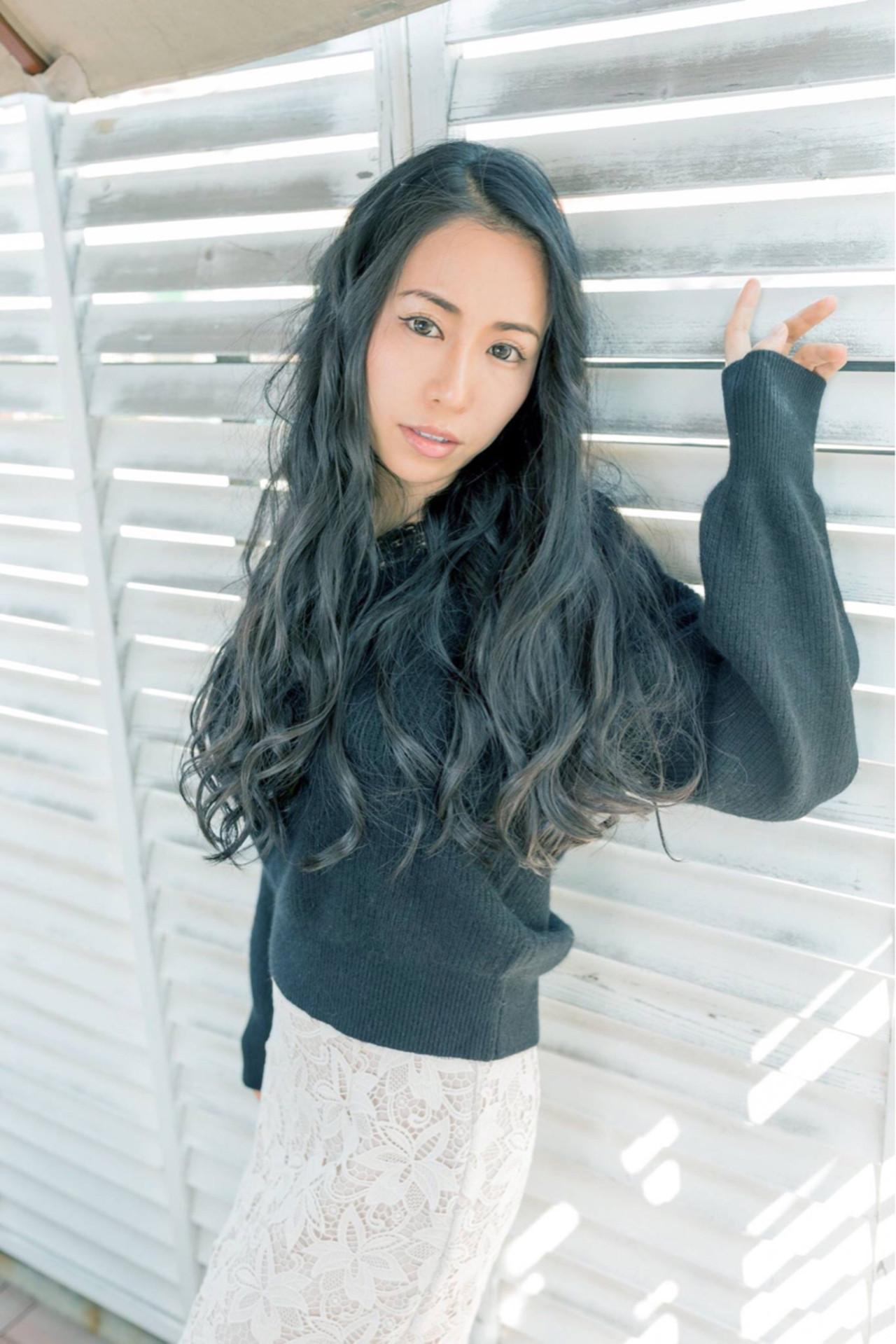 リラックス パーマ ゆるふわ ウェーブ ヘアスタイルや髪型の写真・画像