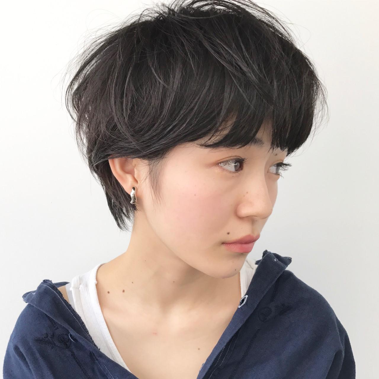 ナチュラル ブリーチ グレー ショート ヘアスタイルや髪型の写真・画像