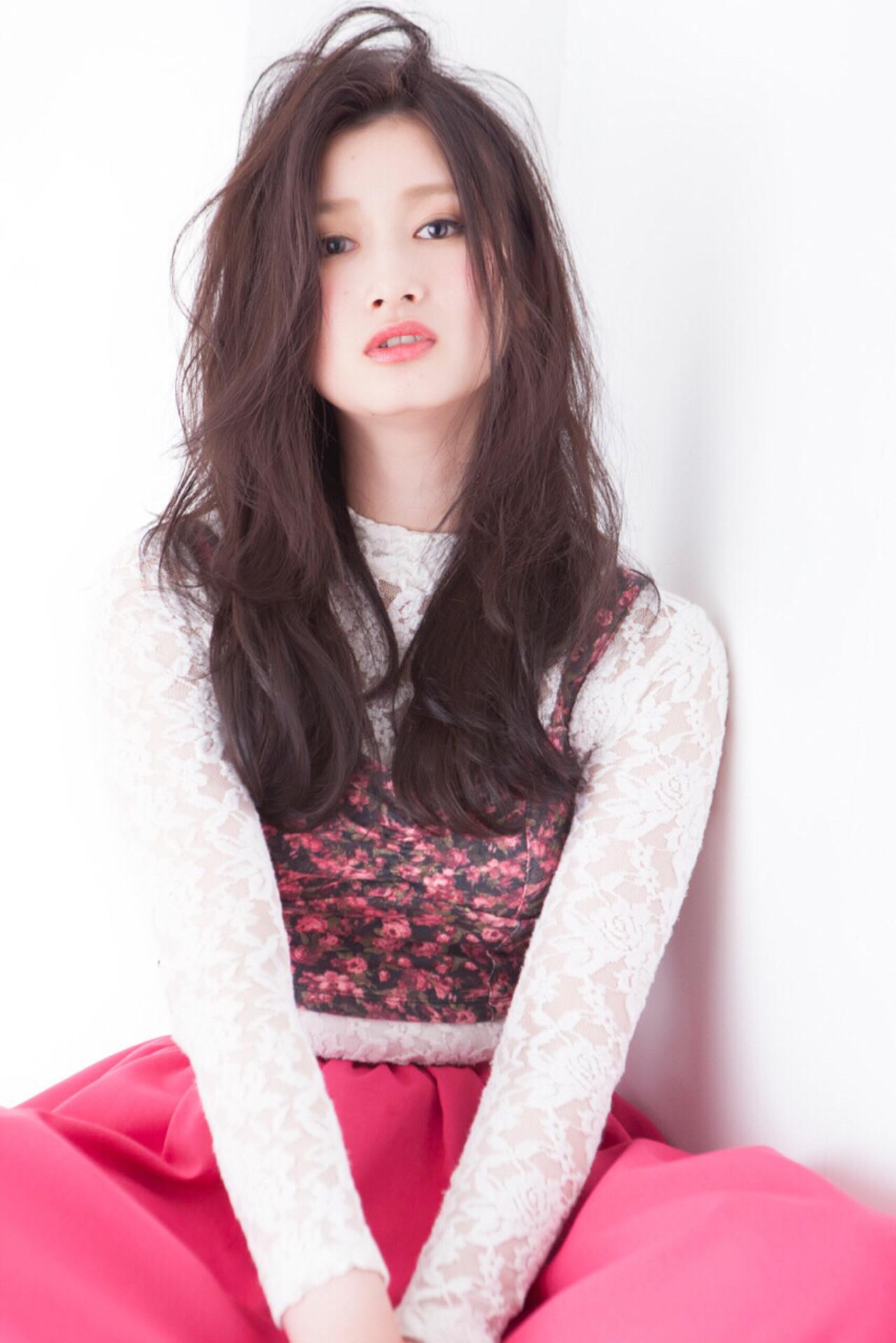 パーマ ロング 斜め前髪 色気 ヘアスタイルや髪型の写真・画像