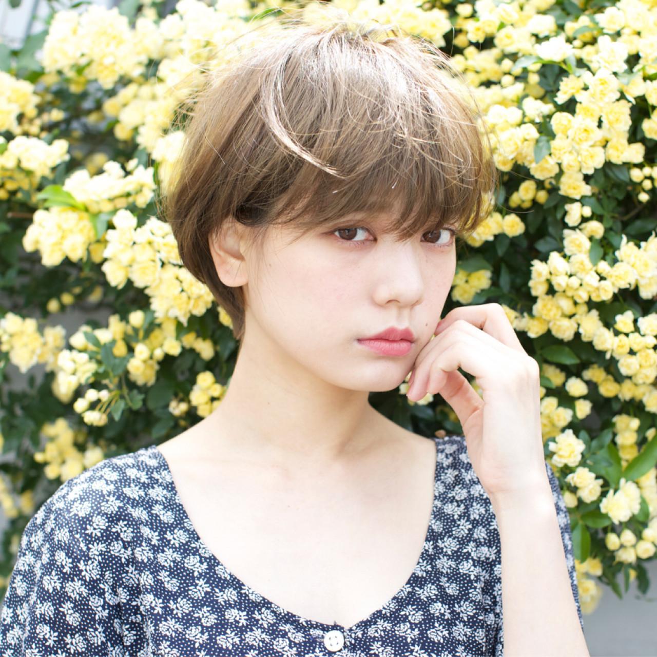 斜め前髪 リラックス ショート ナチュラル ヘアスタイルや髪型の写真・画像