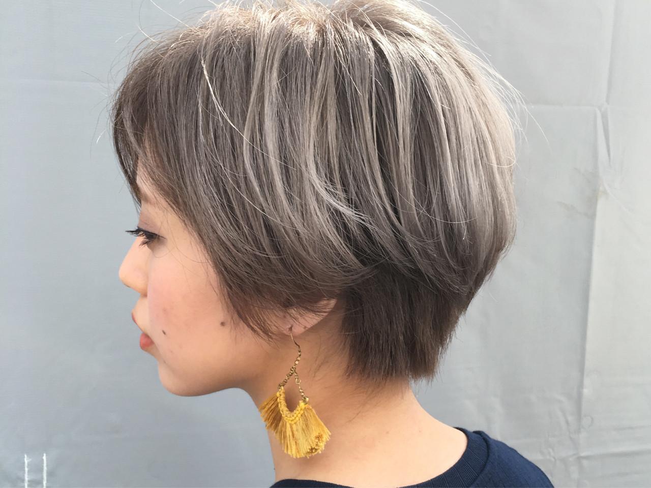 ホワイト グレージュ モード ハイトーン ヘアスタイルや髪型の写真・画像