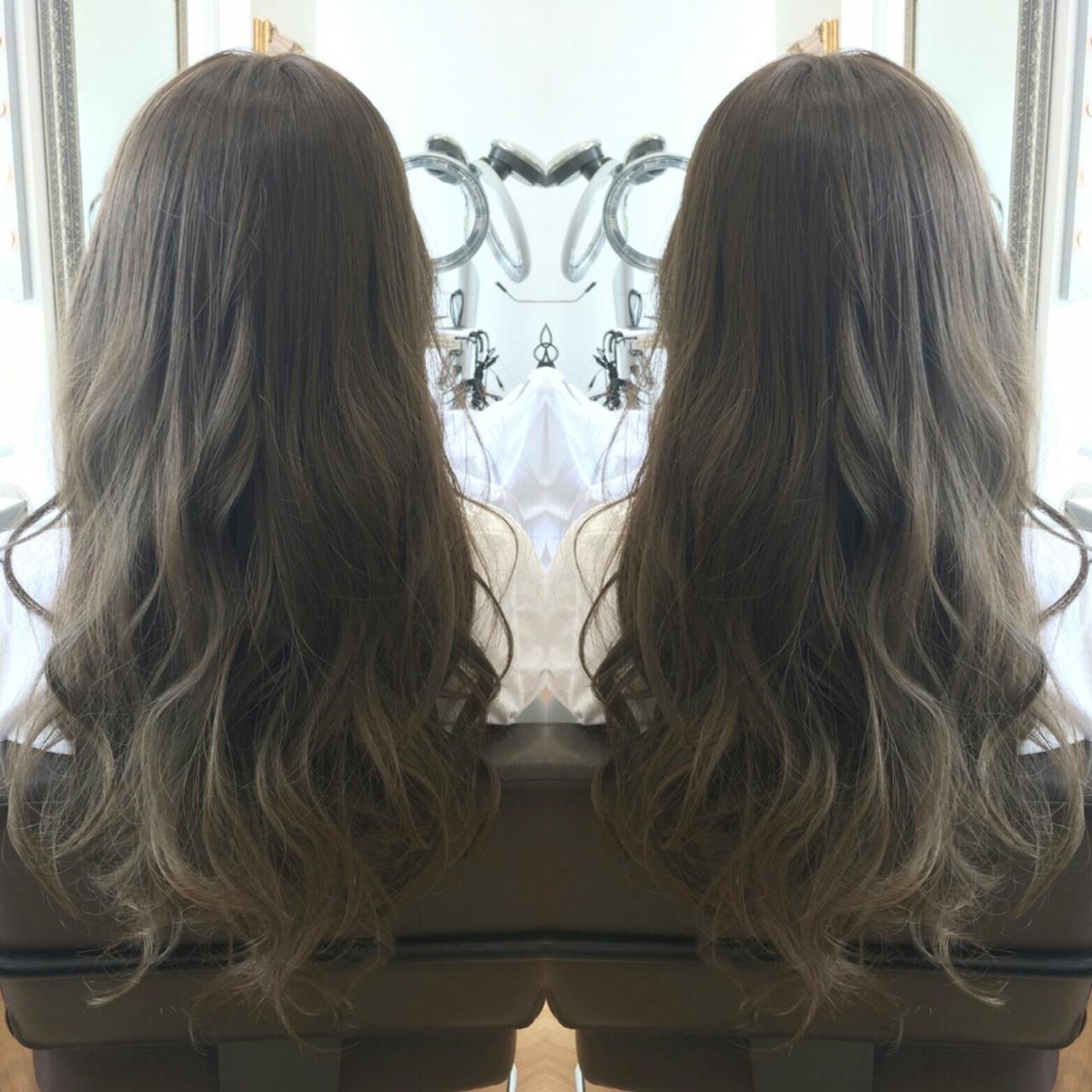 フェミニン ロング グレージュ 外国人風カラー ヘアスタイルや髪型の写真・画像