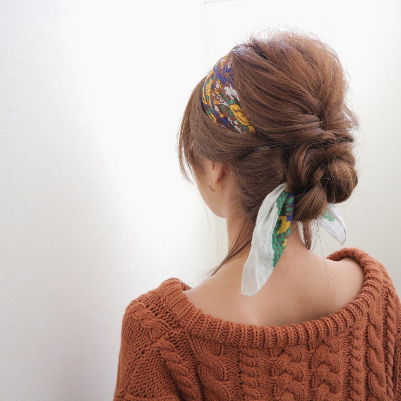 ショート 大人女子 ヘアアレンジ バンダナ ヘアスタイルや髪型の写真・画像