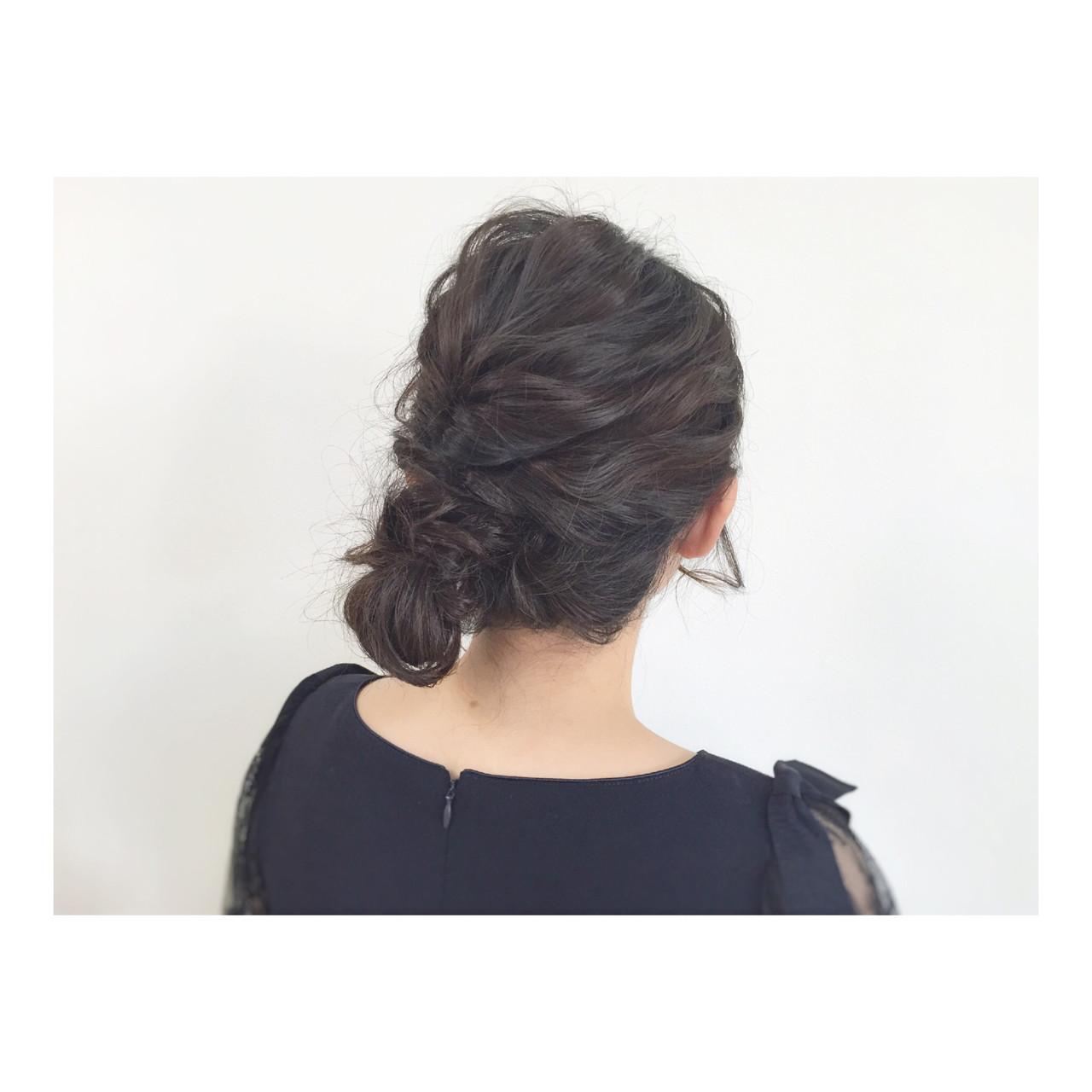 ヘアアレンジ ミディアム 大人かわいい シニヨン ヘアスタイルや髪型の写真・画像