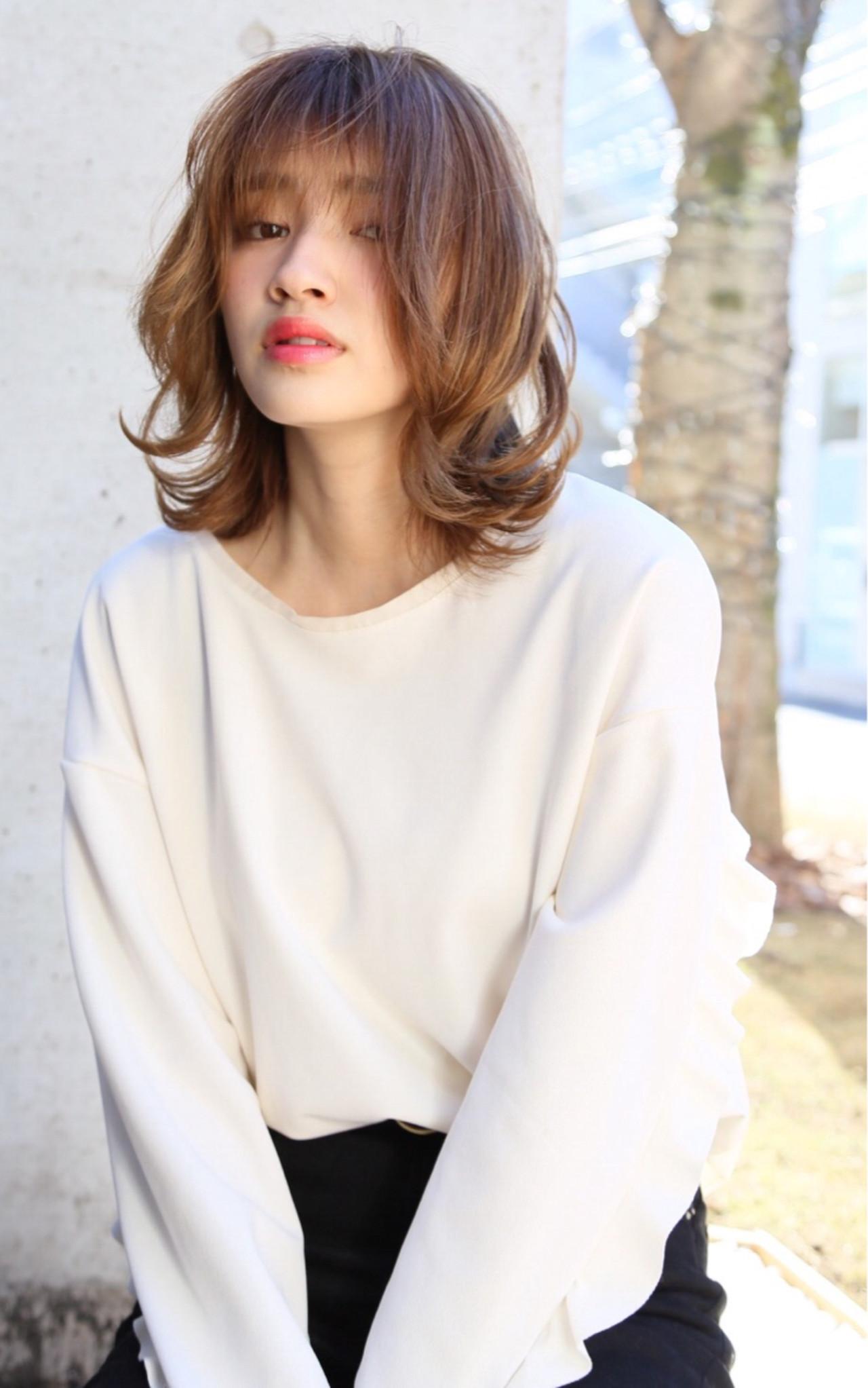 シースルーバング アッシュベージュ ハイライト ミディアム ヘアスタイルや髪型の写真・画像