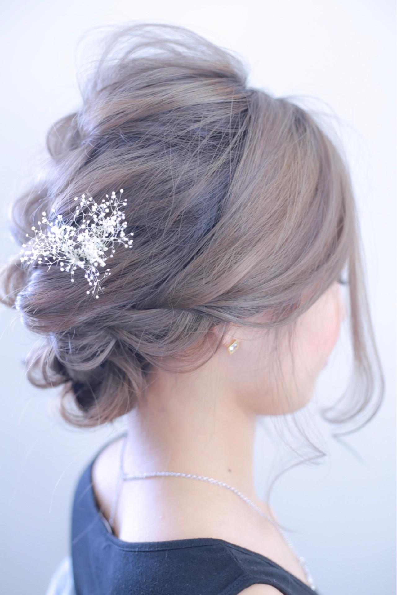 上品 グレーアッシュ 結婚式 エレガント ヘアスタイルや髪型の写真・画像