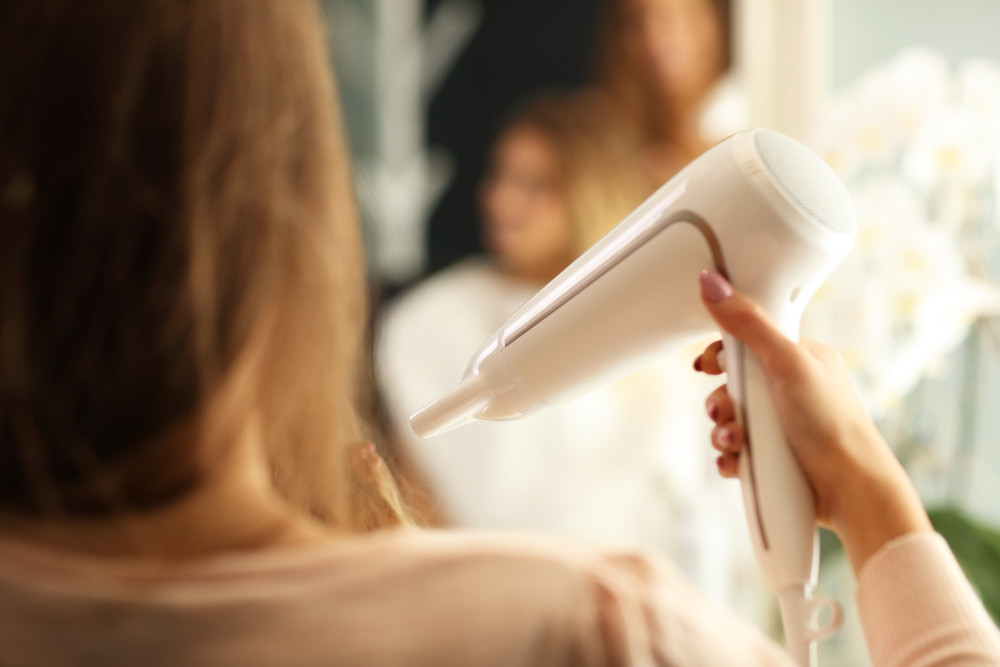 【簡単】髪の毛をサラサラにする方法♡憧れのストレートヘアをゲット!