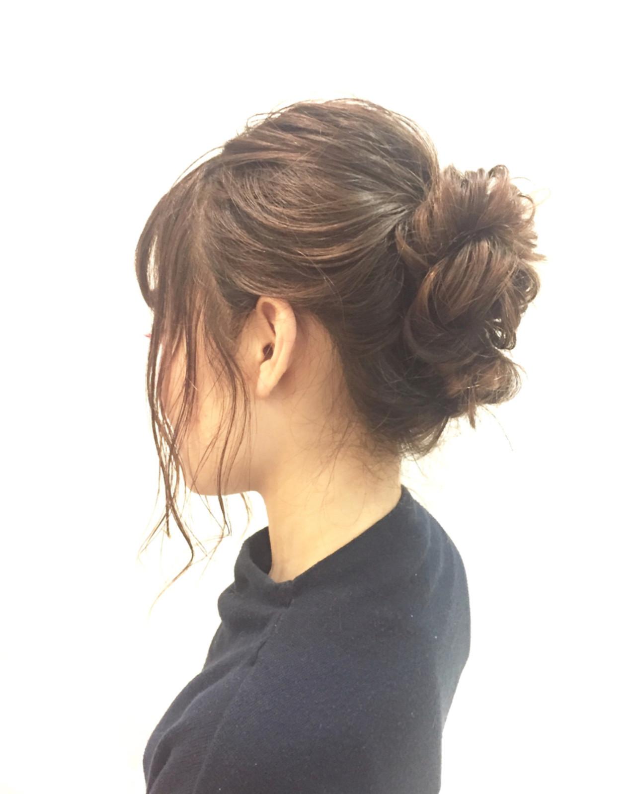 【簡単】オフィス向けセミロングの結び方ガイド♪きれいめまとめ髪で上品に イワタユウ