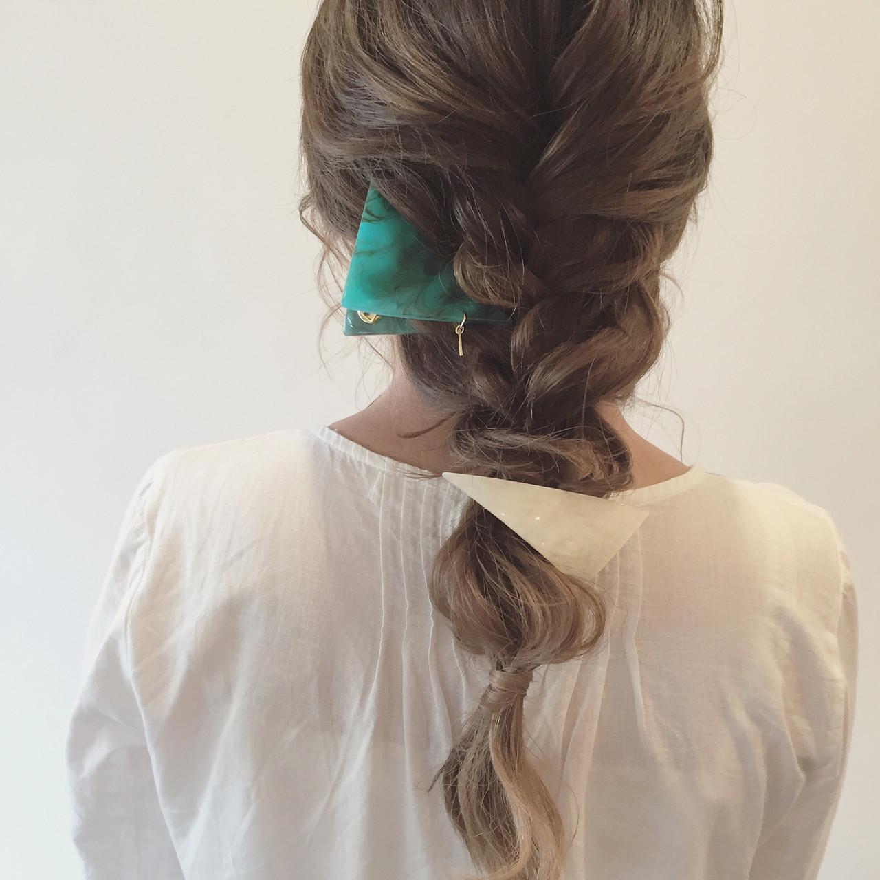 【簡単】可愛さ無限大な三つ編みヘアアレンジでこなれヘアに♡ ange maco