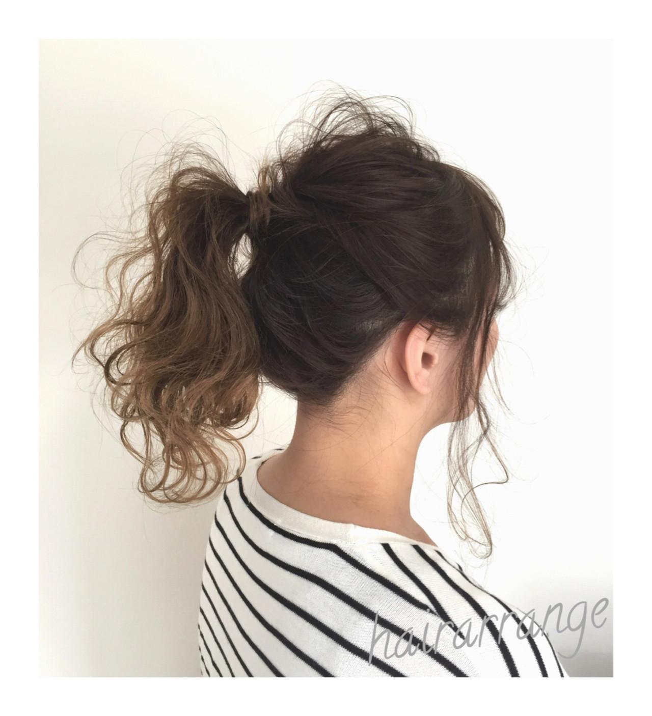 セミロング ポニーテール イルミナカラー ナチュラル ヘアスタイルや髪型の写真・画像