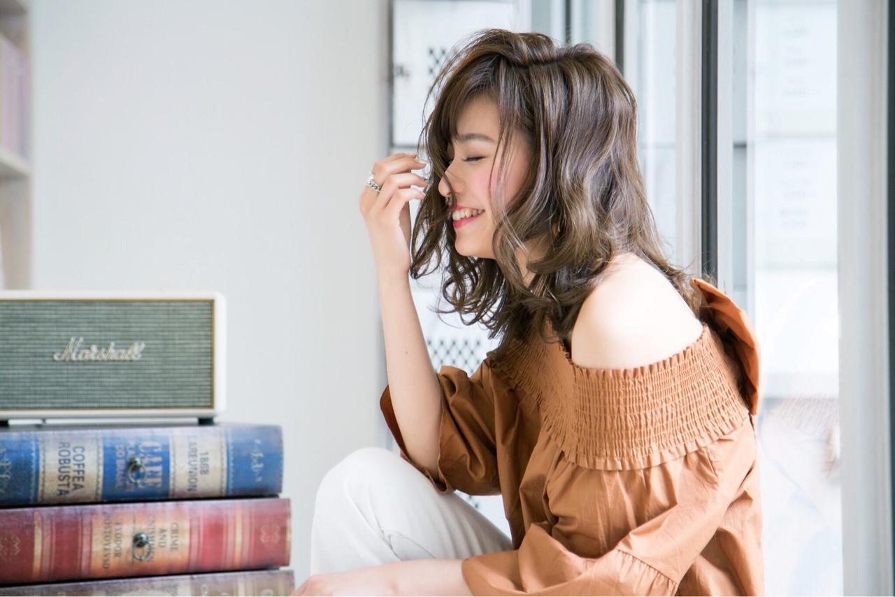 面長ロングさん向けヘアスタイル10選!自分に似合う髪形を知ろう。 KOZENI YUKO