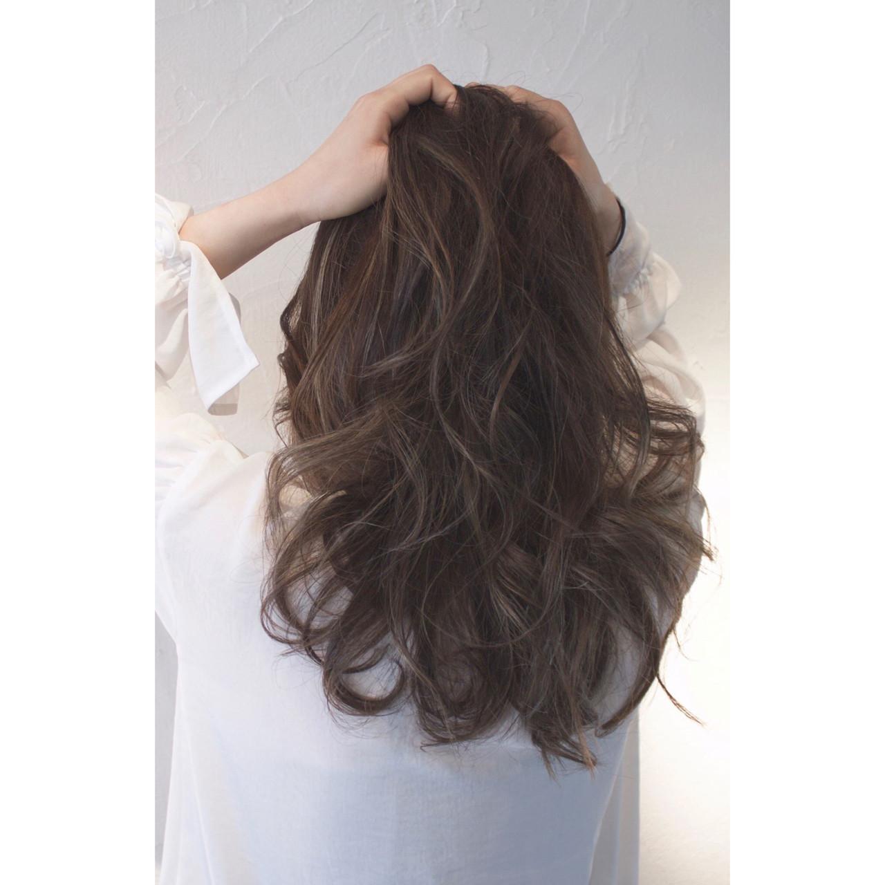 面長ロングさん向けヘアスタイル10選!自分に似合う髪形を知ろう。 スタイリスト 大西 つねお