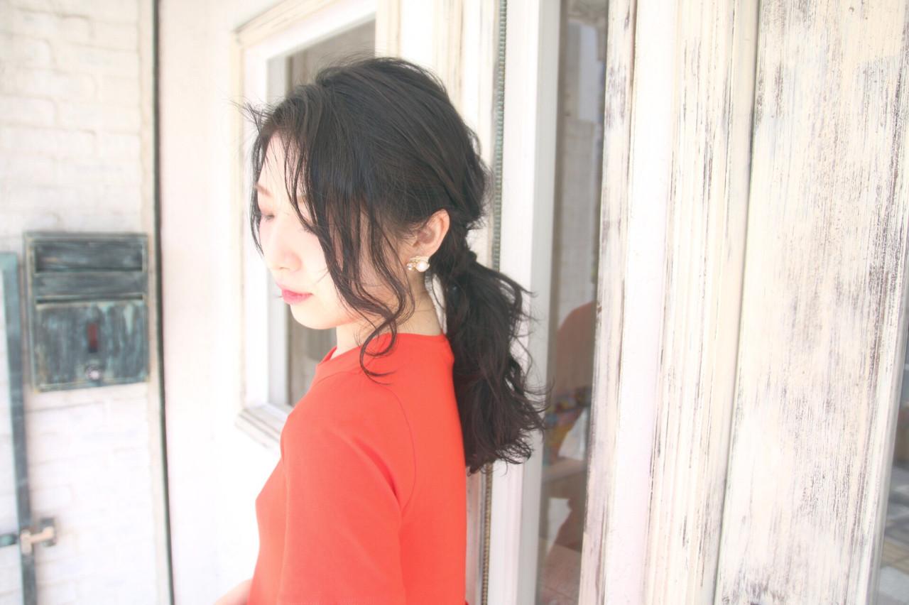 【簡単】オフィス向けセミロングの結び方ガイド♪きれいめまとめ髪で上品に 松谷 聖史