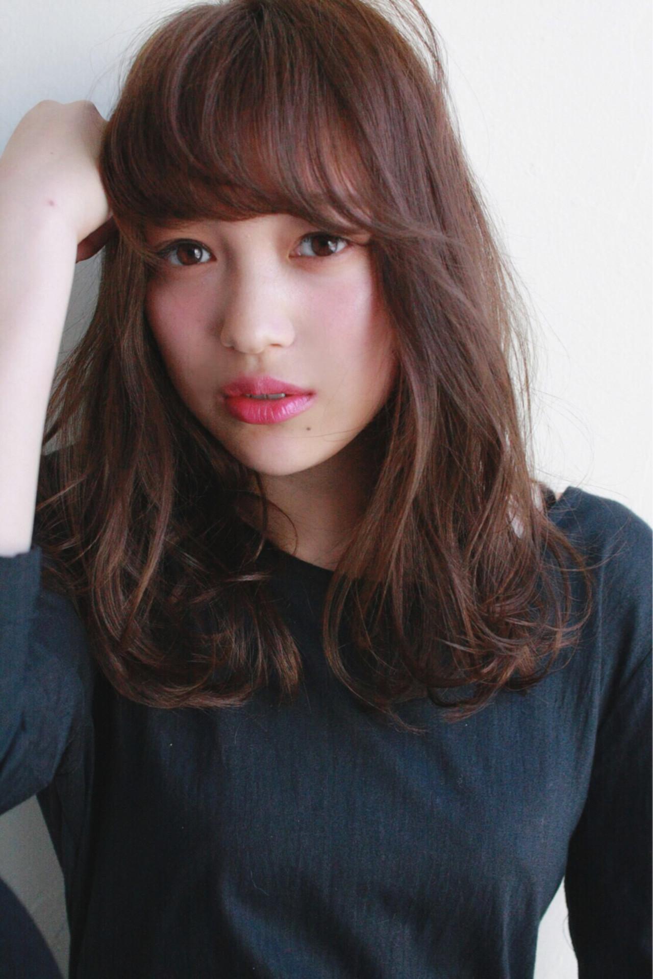 面長ロングさん向けヘアスタイル10選!自分に似合う髪形を知ろう。 HiuraMirai