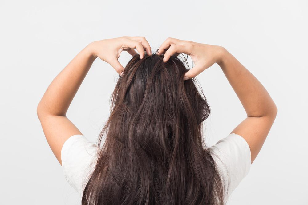 たった3分でアホ毛を解決!忙しい大人女子必見の対策&直し方