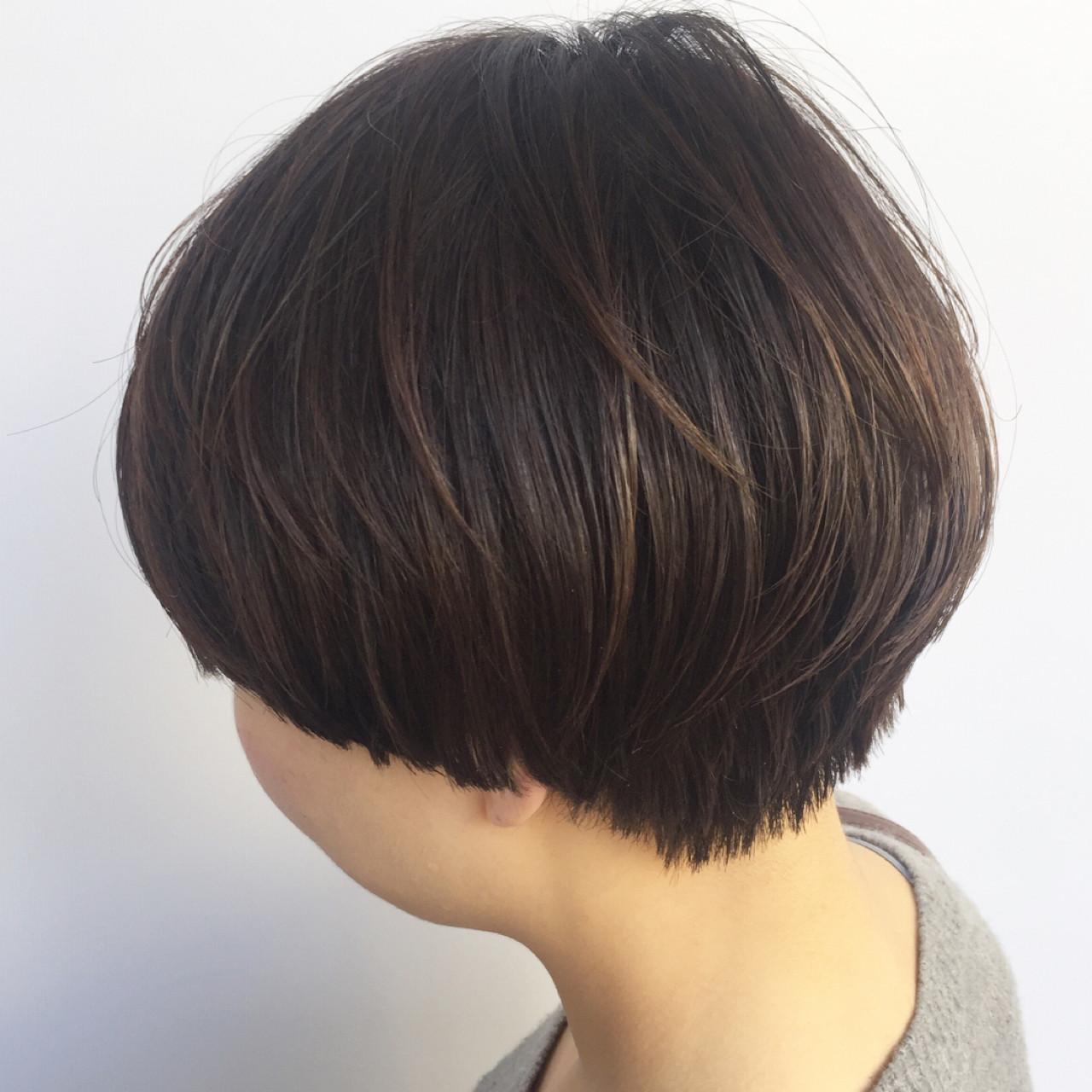 マッシュ ボブ アッシュブラウン ショート ヘアスタイルや髪型の写真・画像