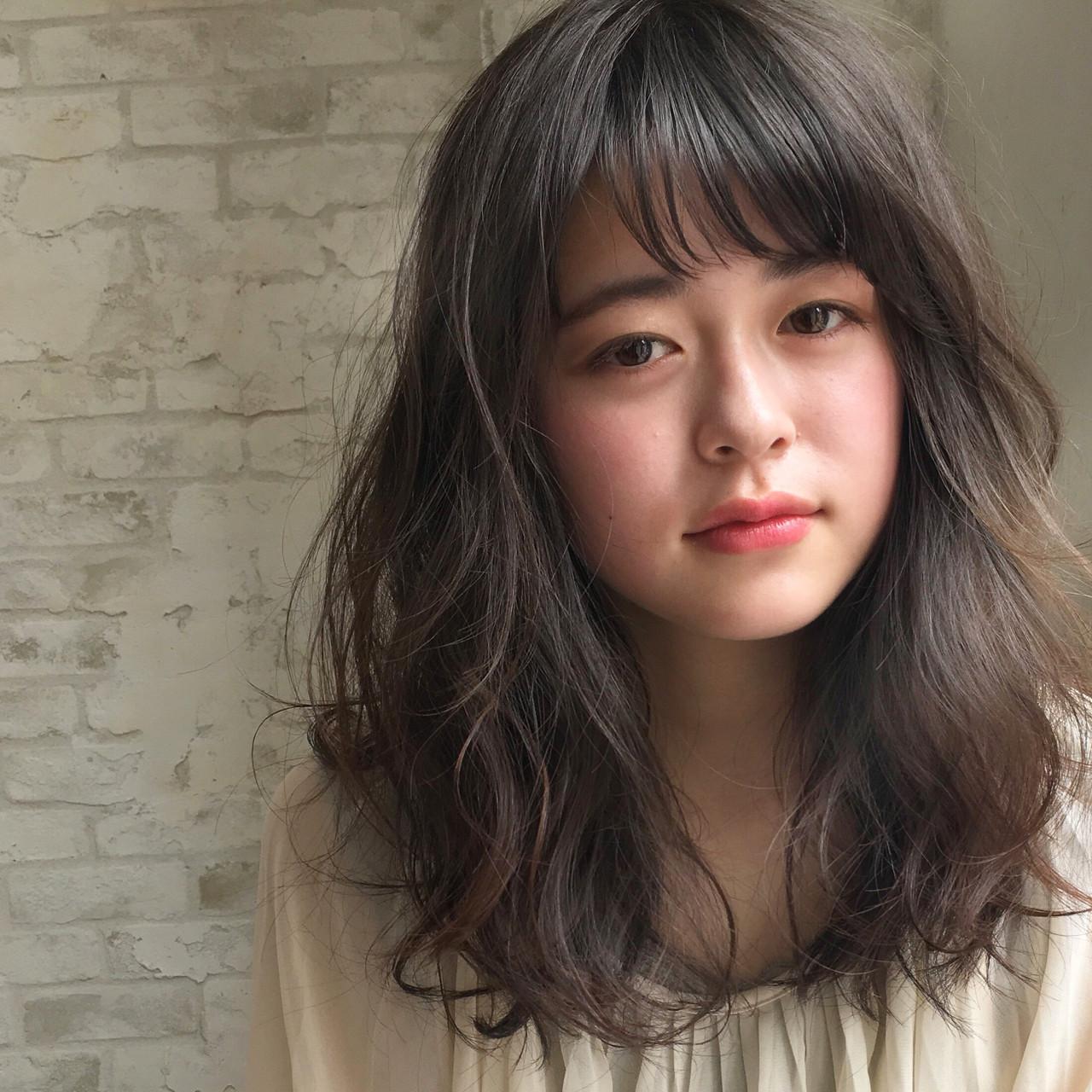 ミディアム 暗髪 アッシュ デート ヘアスタイルや髪型の写真・画像