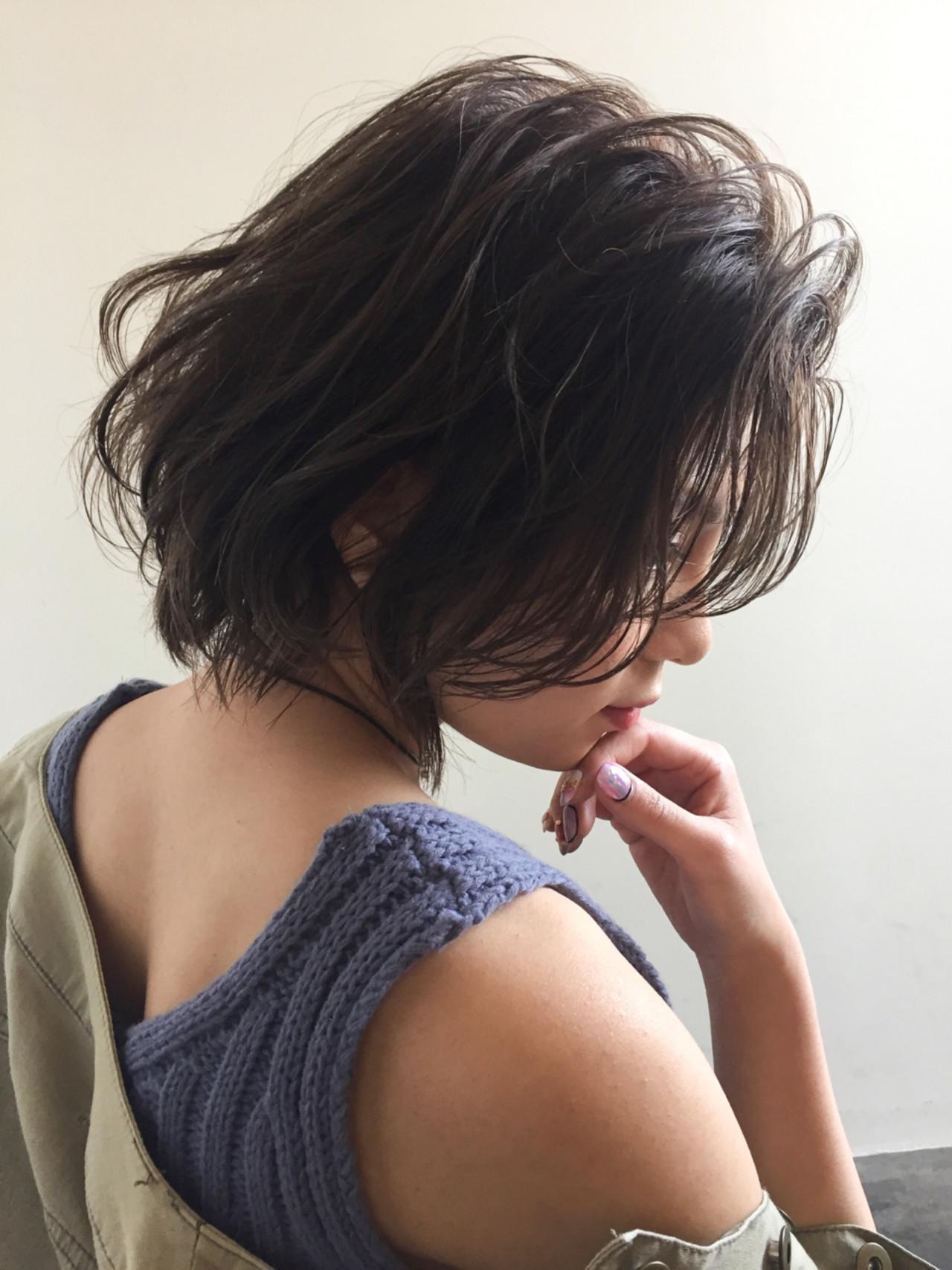 オデコだし、かきあげ前髪でハッピーオーラが全開!かきあげ前髪のつくり方 三木 康平