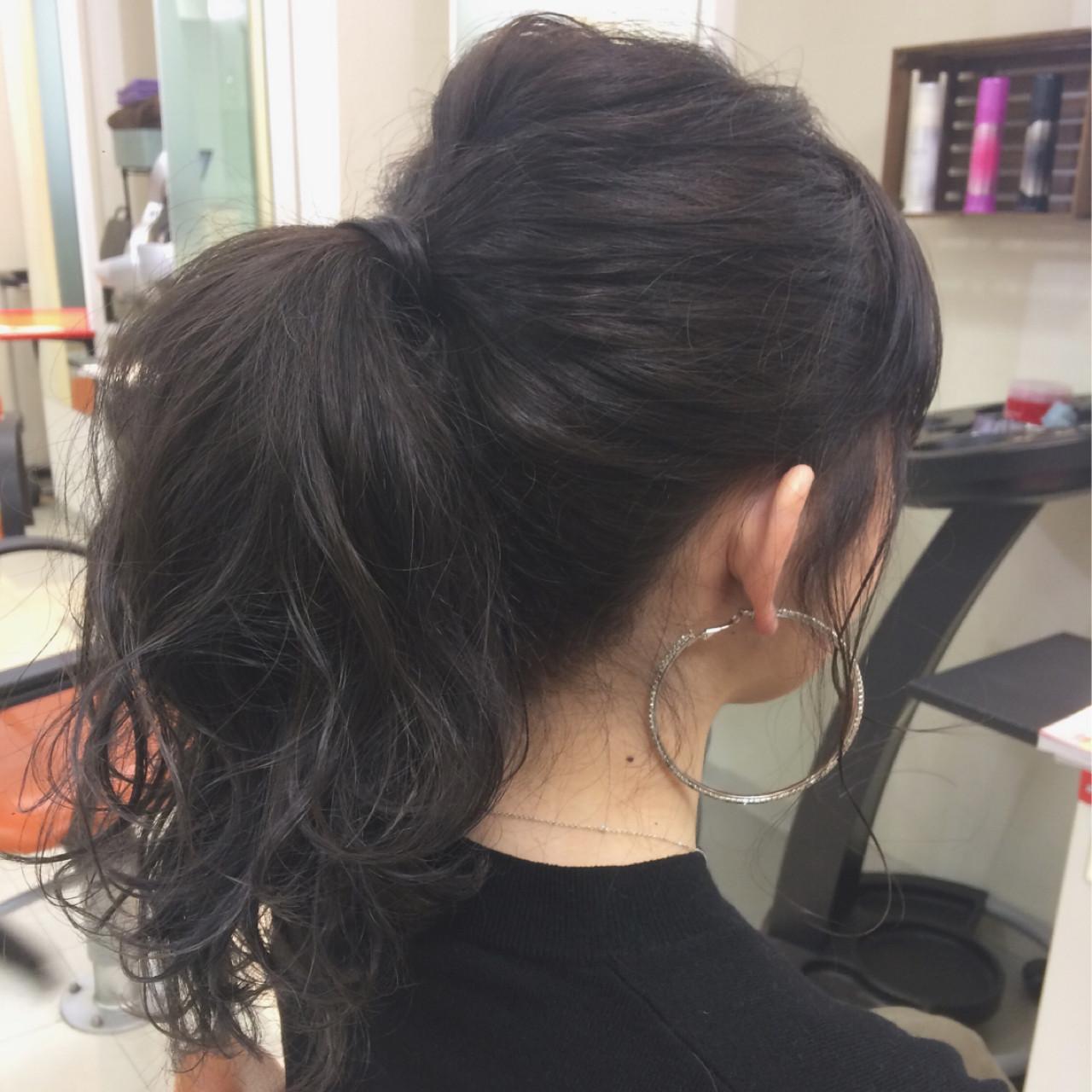 黒髪 簡単ヘアアレンジ セミロング モード ヘアスタイルや髪型の写真・画像