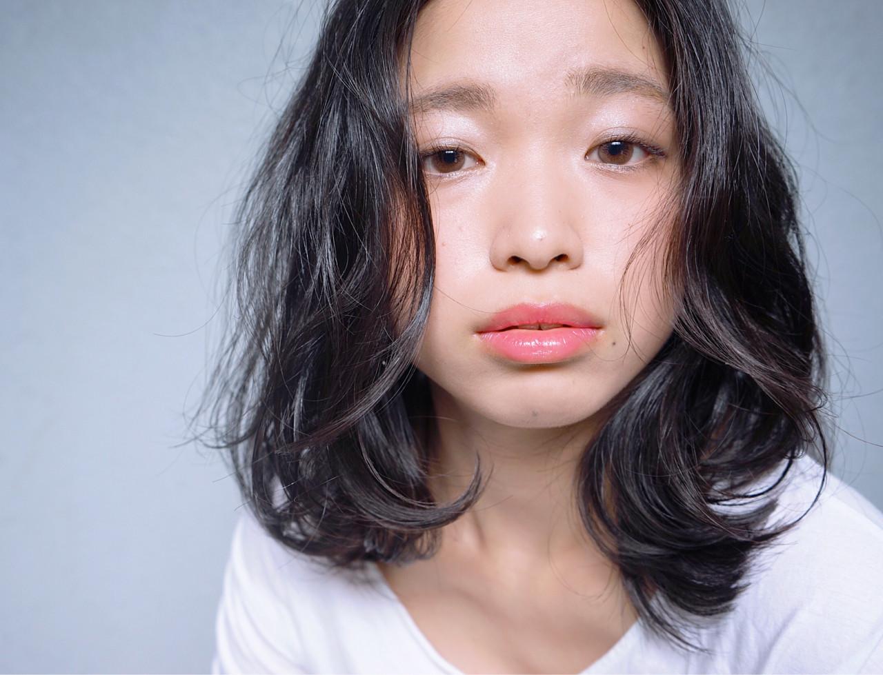 魅力的な黒髪美人に♡あなたの魅力を引き立てるヘアスタイル 花井啓好