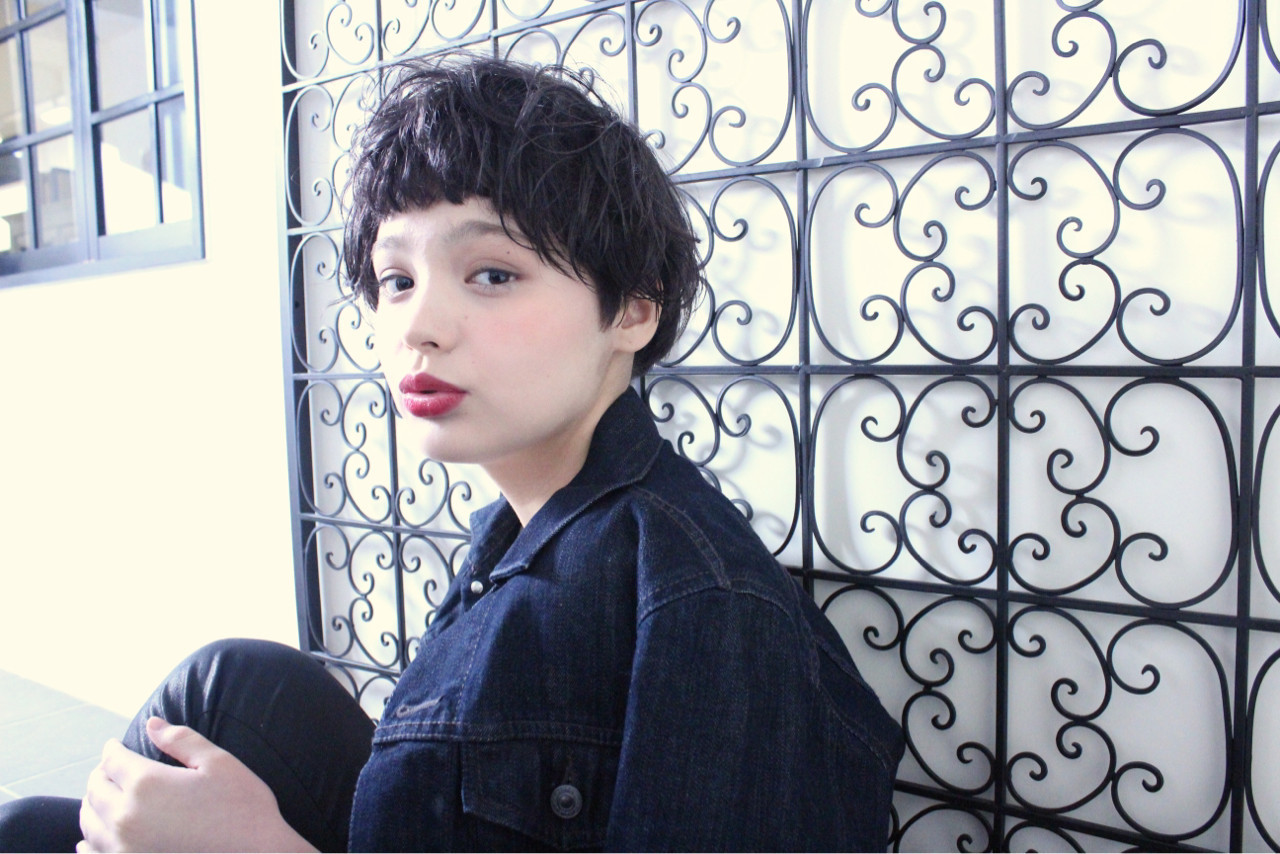 アッシュ 外国人風 ニュアンス ナチュラル ヘアスタイルや髪型の写真・画像