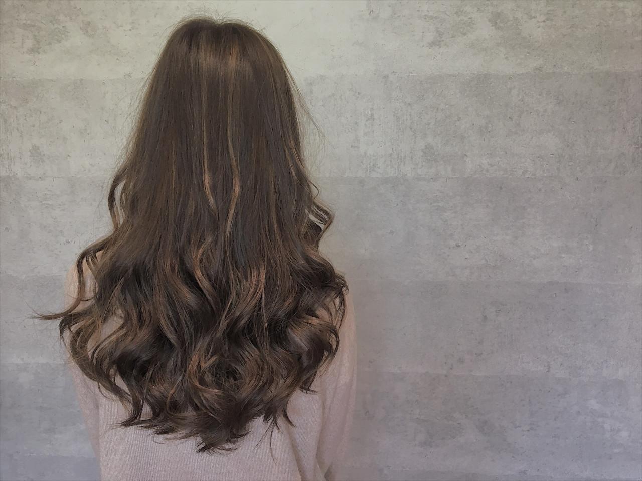 ナチュラル ロング ハイライト ローライト ヘアスタイルや髪型の写真・画像